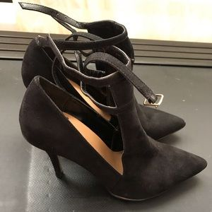 black heels/ booties not super tall